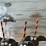 Chocolate Covered Marshmallow Bat Pops for #Halloween