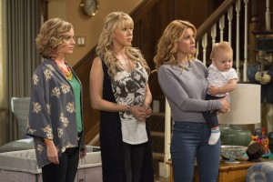 Fuller House Series Premier Review: Please, Cut It Out And Have Mercy On Us