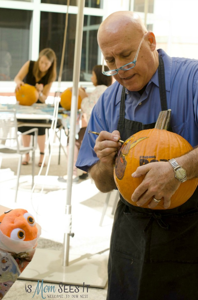 We learn how to carve a Finding Dory pumpkin with a Disney Master Carver
