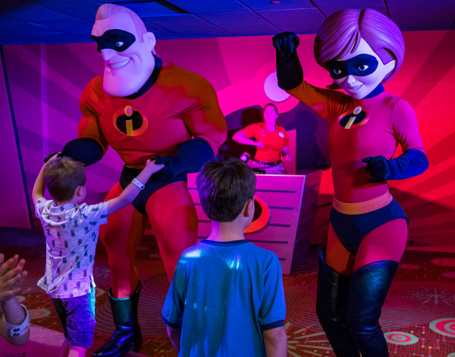 In the new Pixar Play Zone, kids enjoy an evening of fun and games, dinner and dessert, guided by Disney Youth Counselors